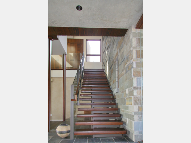 04 03 stair 16